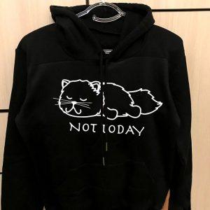 چاپ روی هودی مشکی طرح گربه خسته